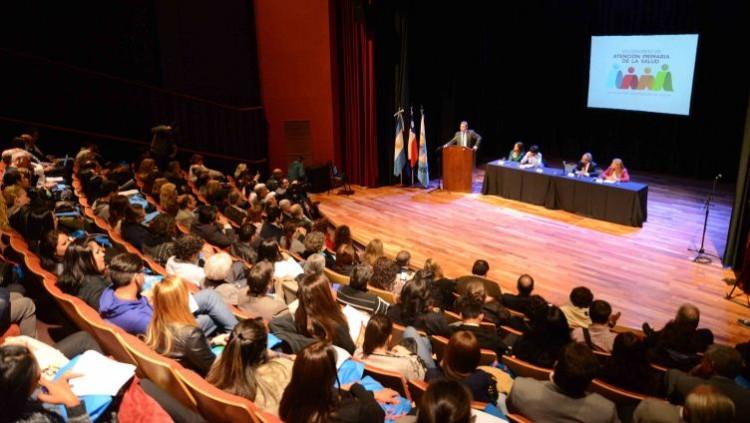 Estudiantes distinguidas en el VIII Congreso de Atención Primaria de la Salud