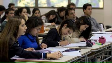 Abre convocatoria a Becas para alumnos con restricciones presupuestarias