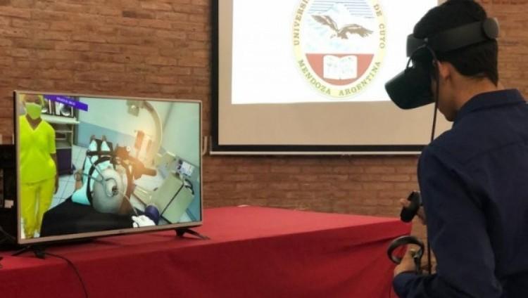 El simulador virtual en neurocirugía de la UNCUYO fue presentado en un evento internacional de salud electrónica