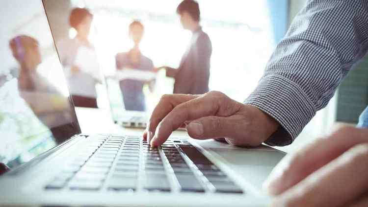 Convocan a especialistas en educación mediada por TICs para colaborar en proyecto de diplomatura