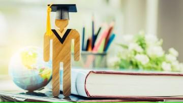 Fechas tope para solicitud de homologación de título y entrega de diplomas y analíticos