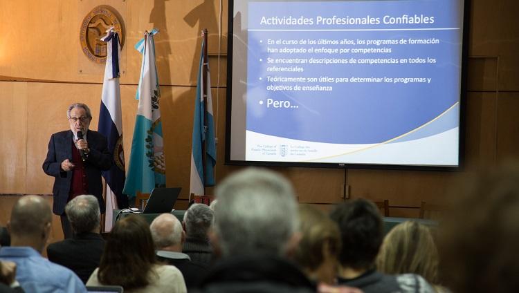 Acceso al video completo de la conferencia del Dr. Brailovsky en la FCM, disponible en Señal U Académico