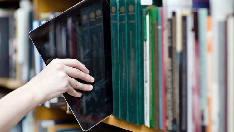 Convocan a presentación de libros digitales y a capacitación en su uso