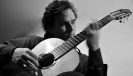 Luis Enrique Díaz Lazkao - Guitarrista