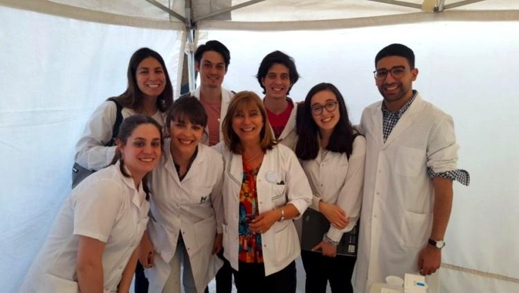 Docentes y 40 estudiantes de Medicina de la FCM colaboraron en la prevención del cáncer de piel