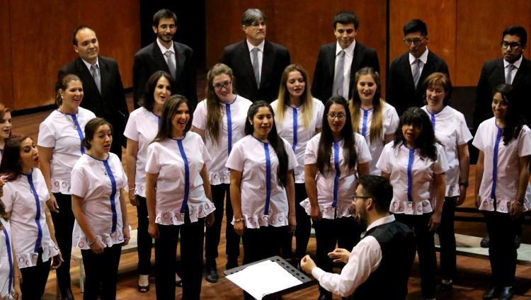 Auspiciosa presentación inaugural del Coro de la FCM