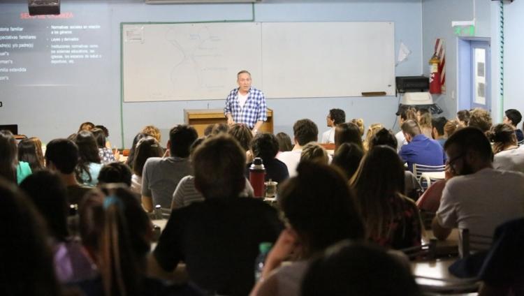 Excelentes concurrencias a Seminario y Charla sobre discurso psicomédico, sexualidad y diversidad