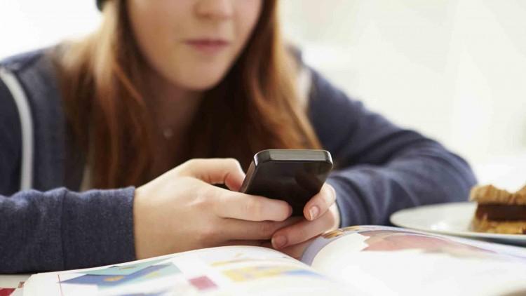 Informan cómo obtener vía on line el Certificado de Alumno/a Regular